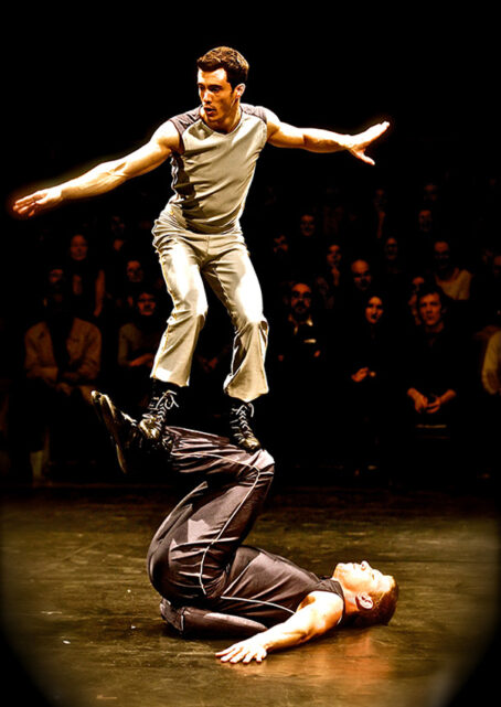 portes-acrobatiques-main-main